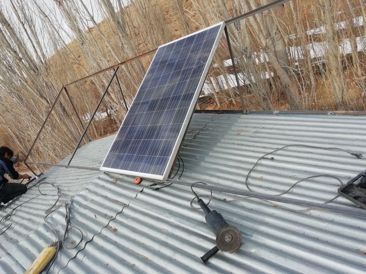 پکیج سیستم خورشیدی برای مشتری