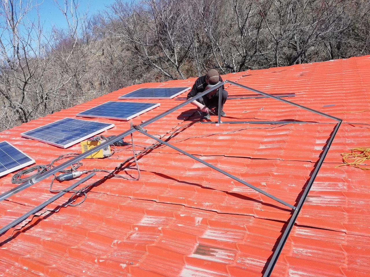 راه اندازی سیستم خورشیدی برای باغ و ویلا 540 آمپر ساعت