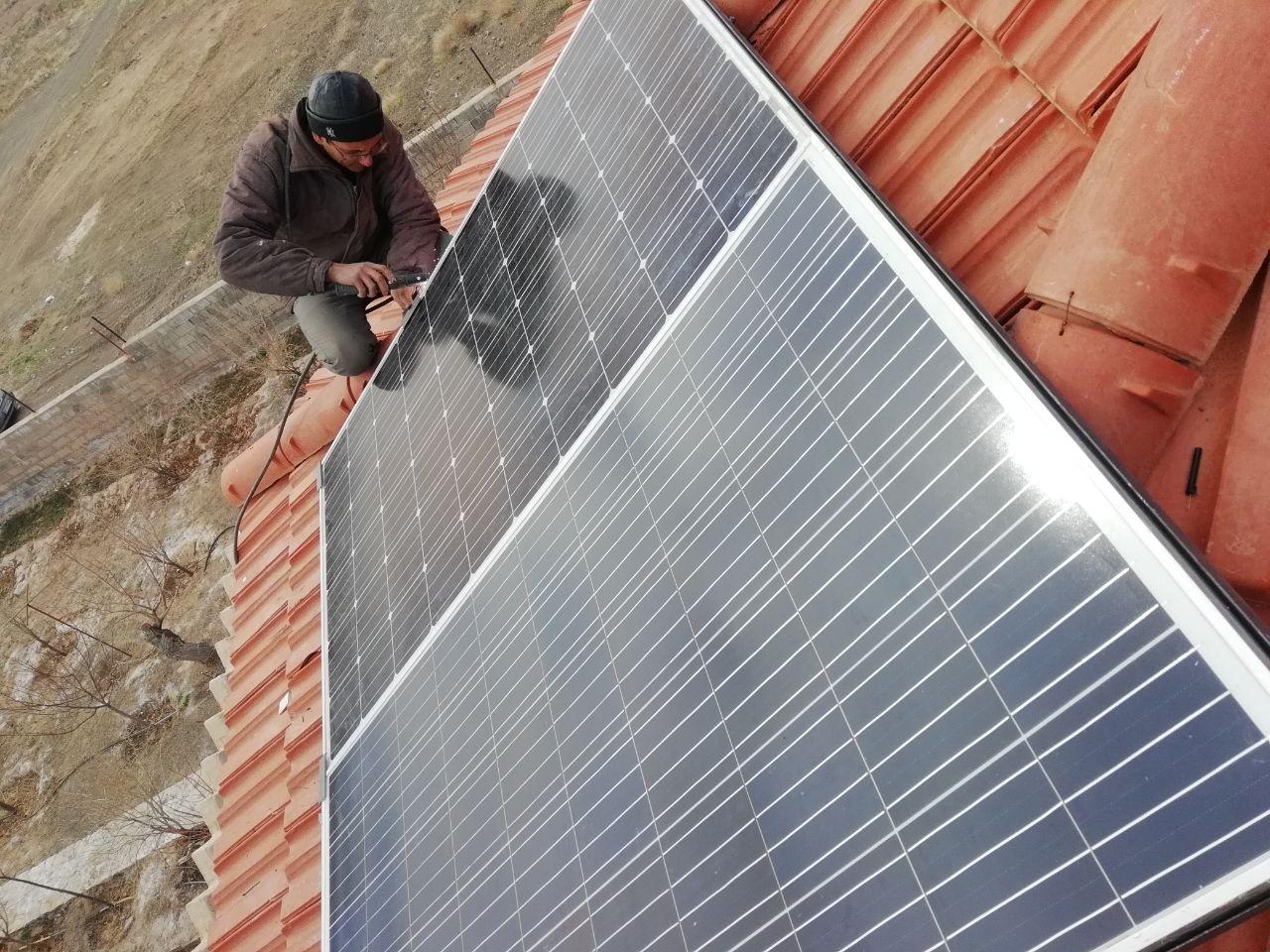 برق خورشیدی برای کولر