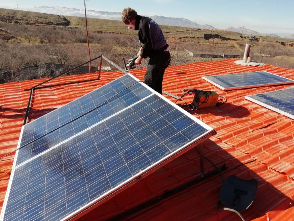 برق خورشیدی چیست؟