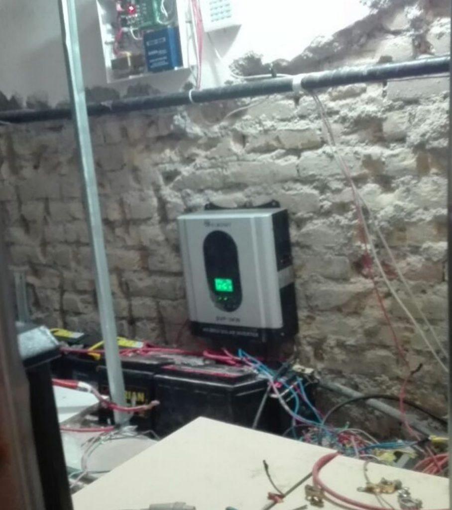 اجرای سیستم برق خورشیدی در اصفهان