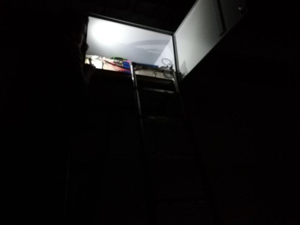 قسمت باکس باتری سیستم برق خورشیدی